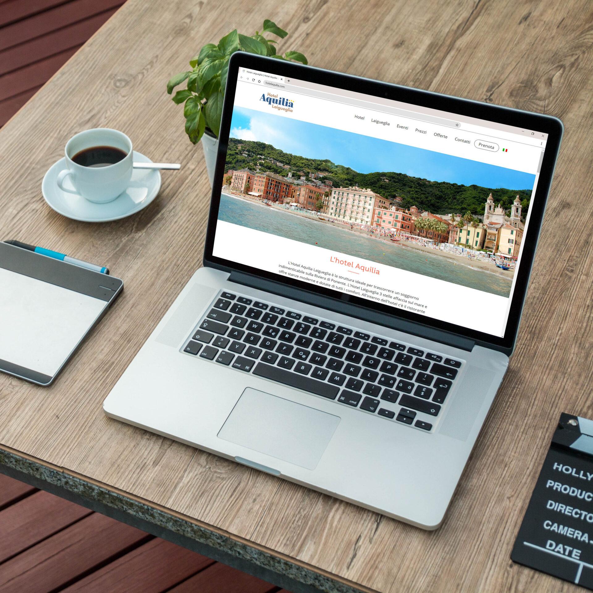 Sito web Hotel Aquilia visualizzato su computer